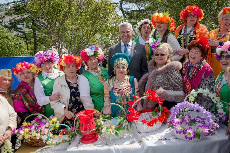 Врамках празднования Дня России вМагадане прошел юбилейный фестиваль «Территория Дружбы»