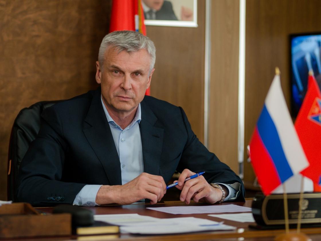 Губернатор Сергей Носов подписал постановление оповышении заработной платы определенным категориям медицинских работников вМагаданской области