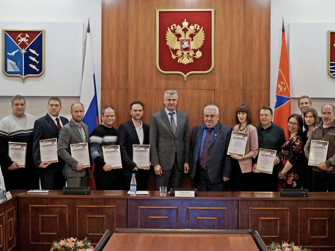 Глава региона вручил поздравительные адреса колымским организациям— победителям Президентских грантов 2018