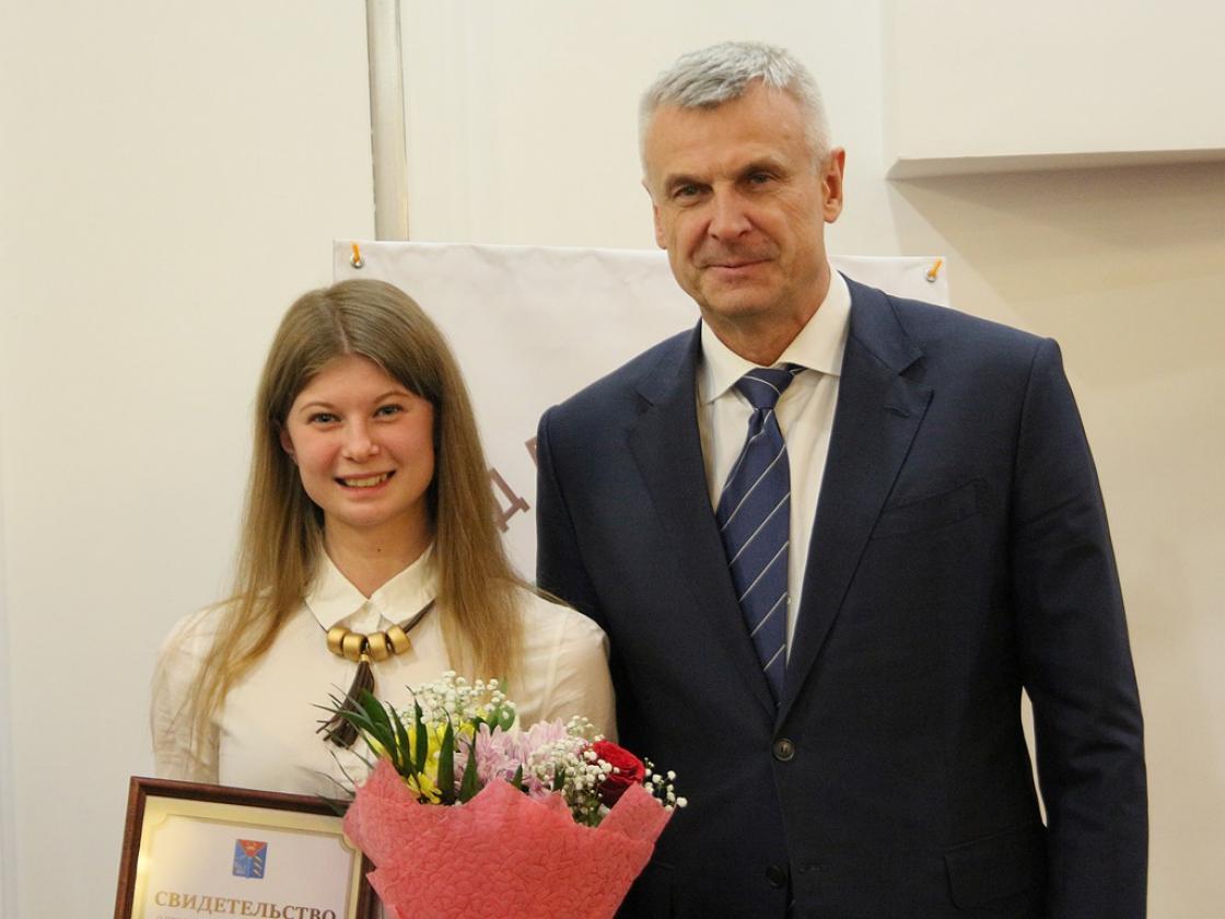 Губернатор Магаданской области поблагодарил добровольцев заработу ипоздравил спраздником