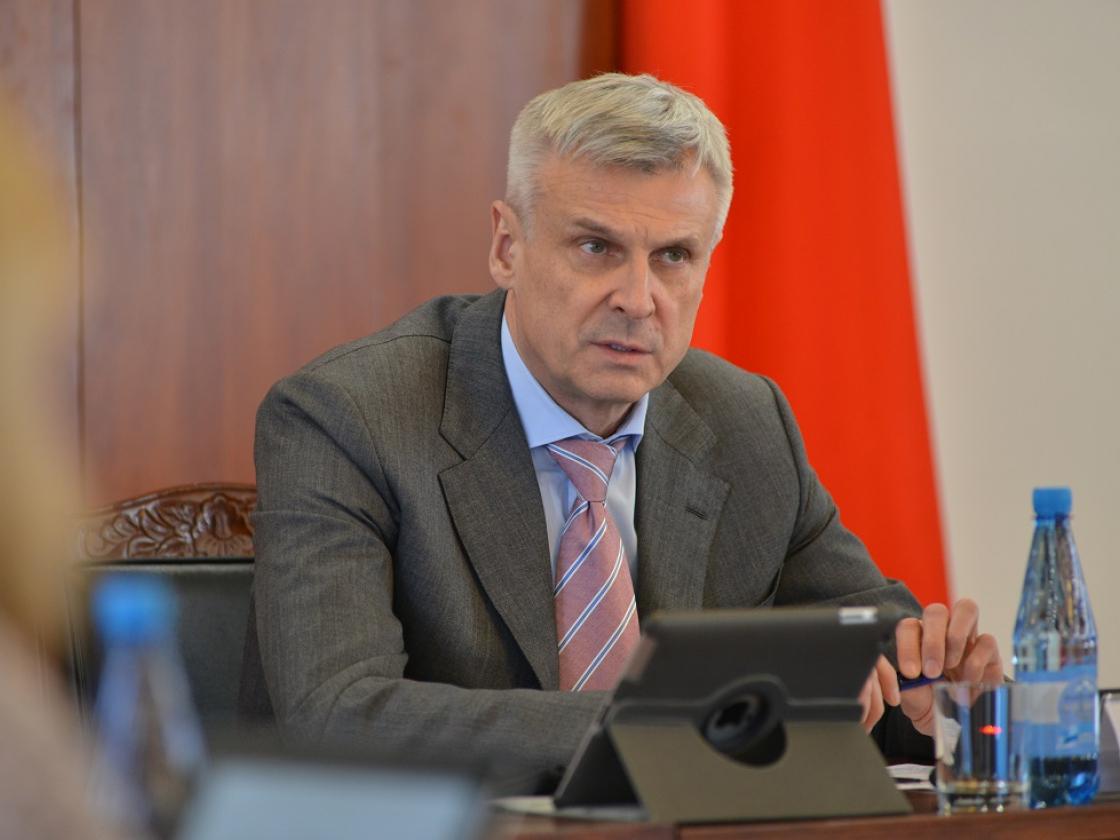 Сергей Носов отправил глав Фонда капремонта и Госжилинспекции в Ягоднинский округ