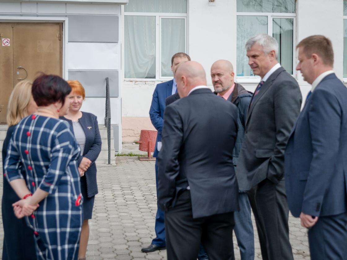 Воспитанники Ольского детского дома проведут три летних месяца наЧерноморском побережье