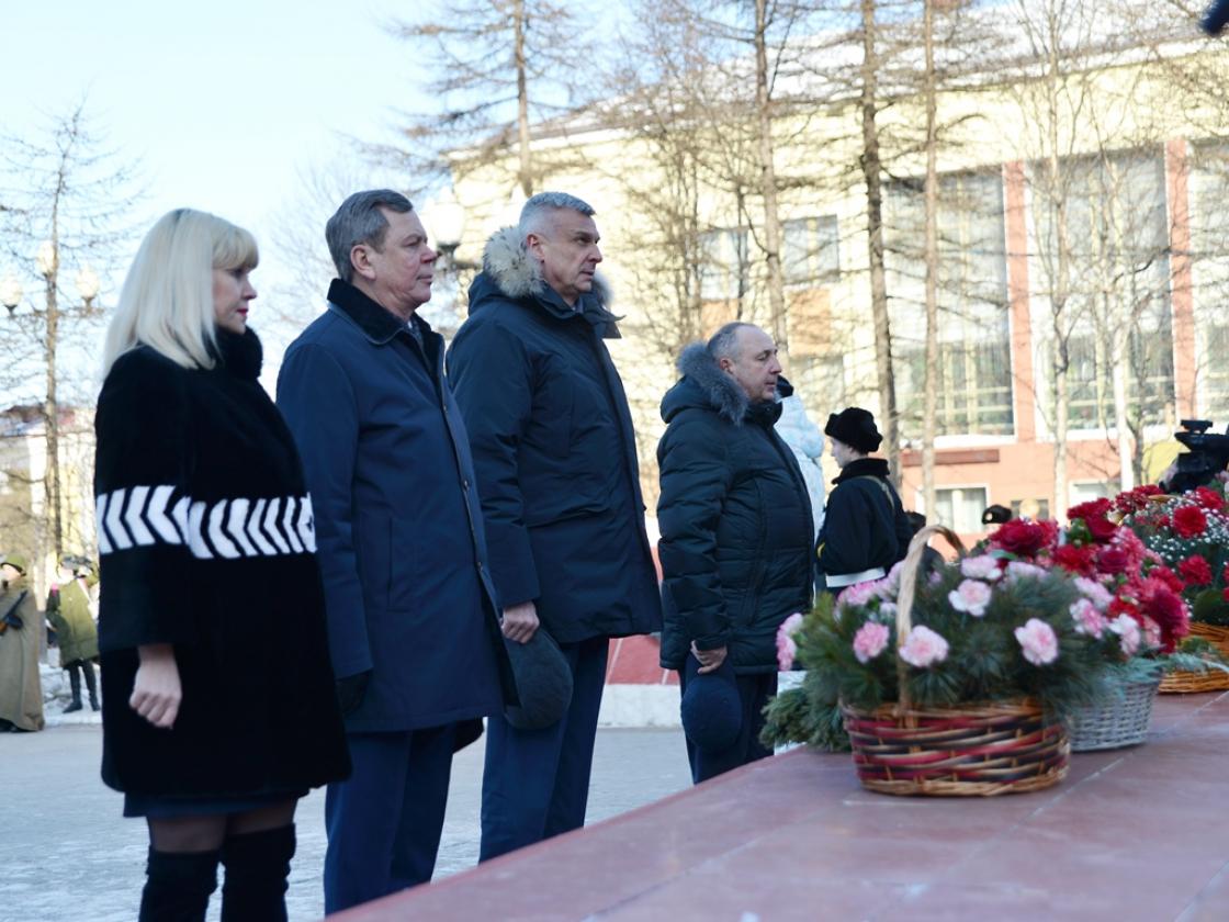 Губернатор Магаданской области принял участие вторжественных мероприятиях, посвященных Дню защитников Отечества