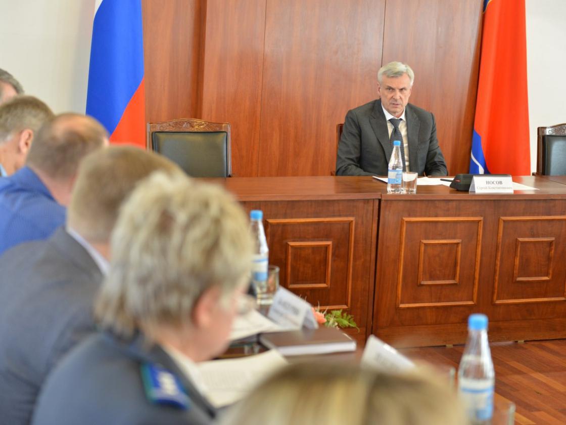 Заседание комиссии пообращению сбезнадзорными животными прошло вПравительстве Магаданской области