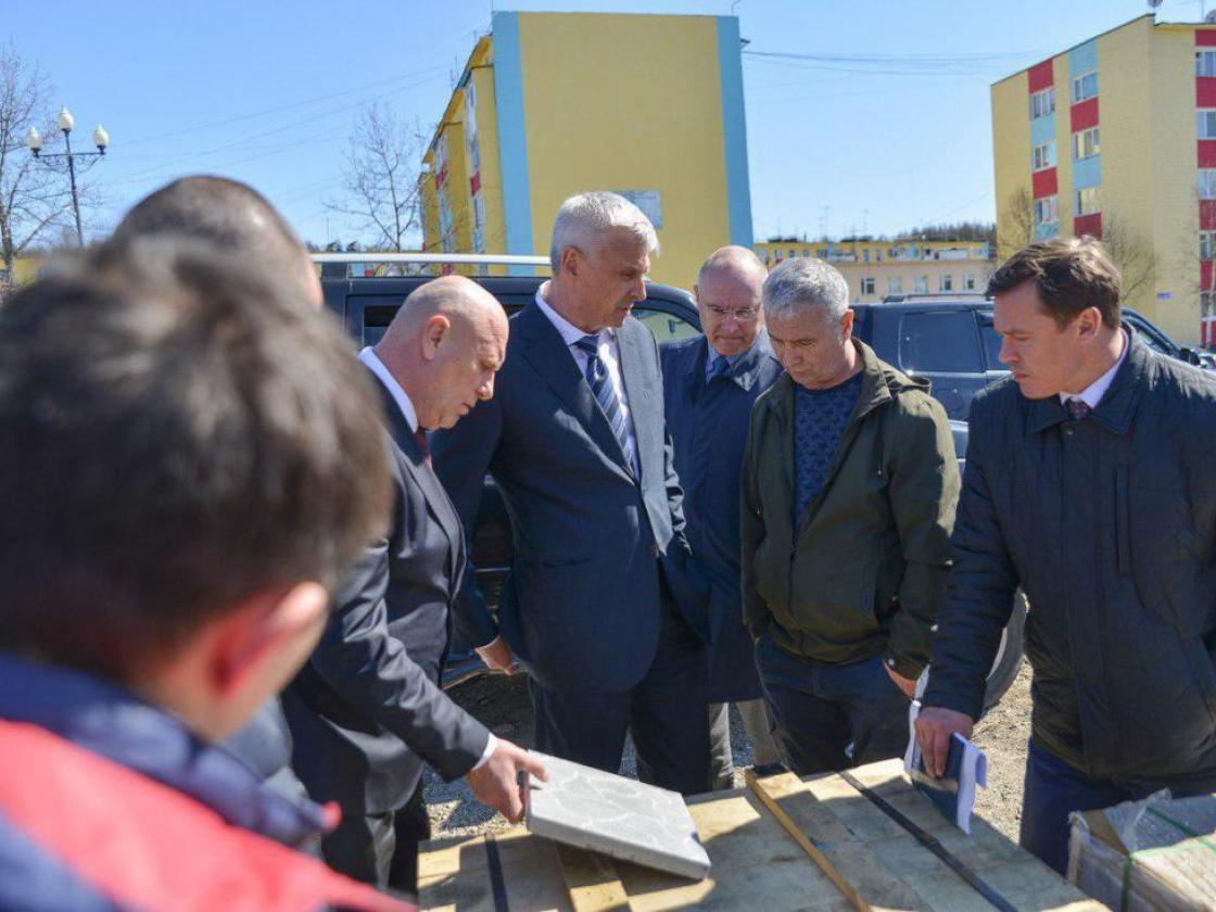Сергей Носов: Пользоваться услугами бассейна в поселке Палатке можно будет во второй половине июля