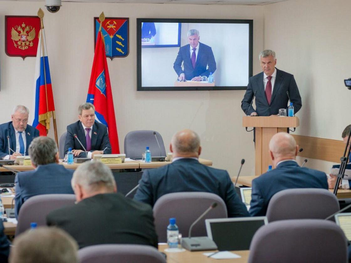 Сергей Носов представил отчет Правительства Магаданской области о результатах работы в 2018 году