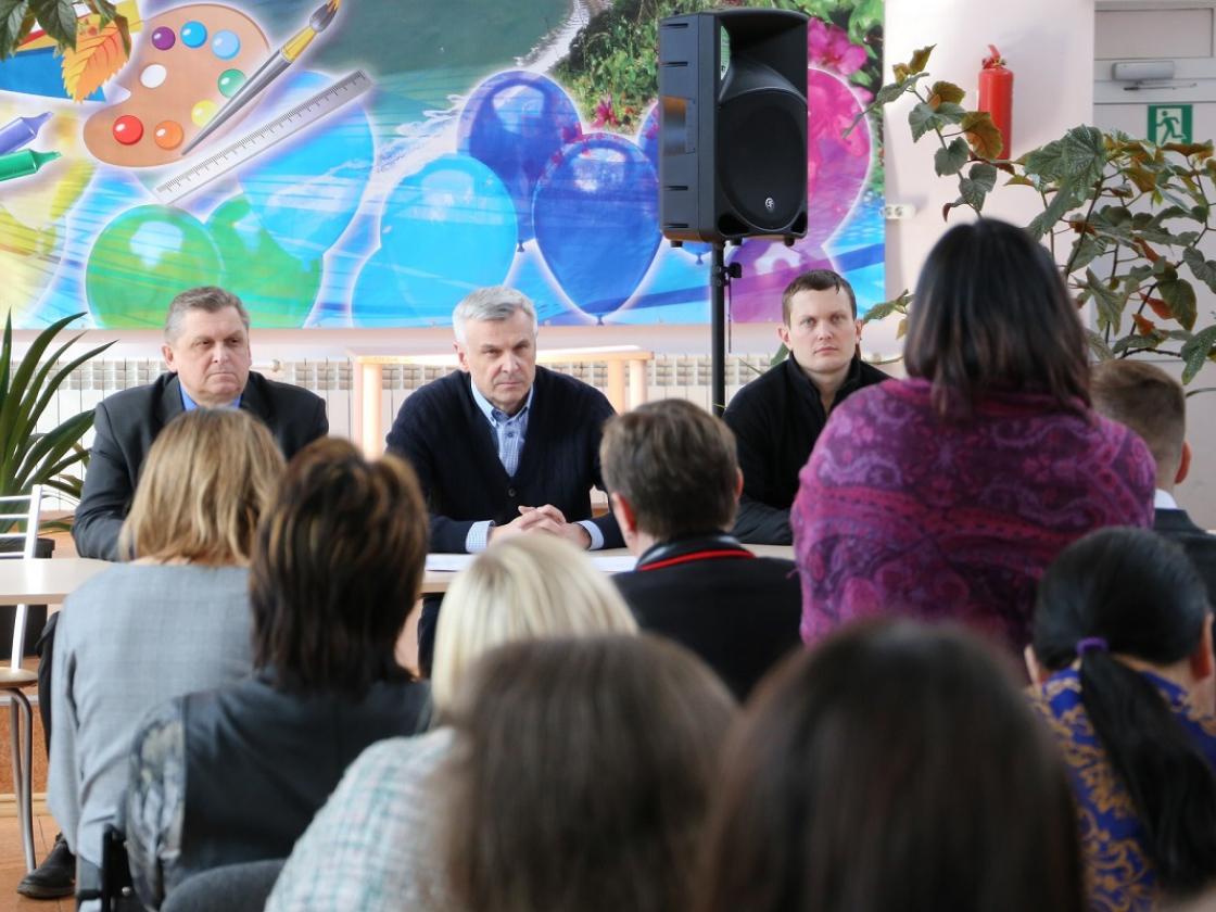 Сергей Носов: Школа поселка Эвенск – позитивный пример социального партнерства